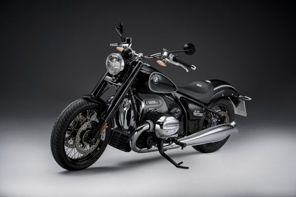 p90386413_lowres_the-bmw-r-18-first-e