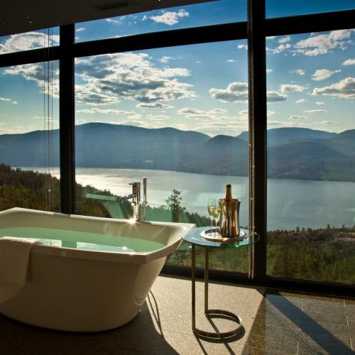 penthouse-bathtub